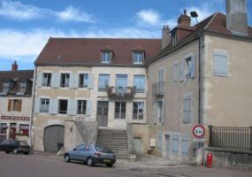 PLACE DES VICTOIRES, Clamecy, 58500, Appartement, Patrimoine 1773